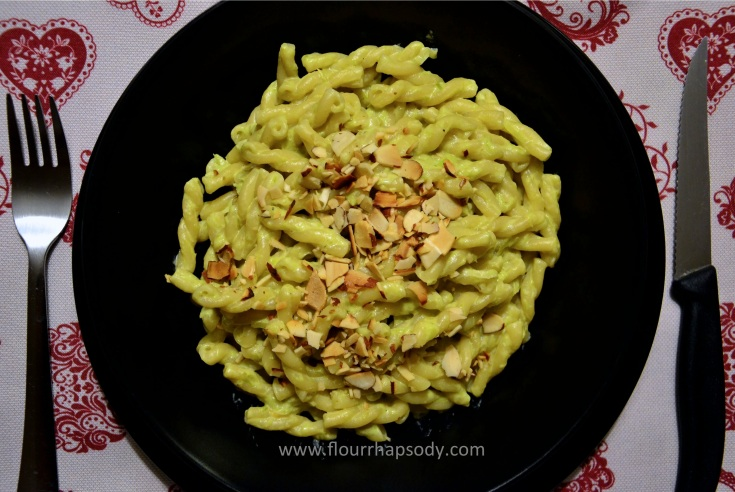 pasta with cream of asparagus